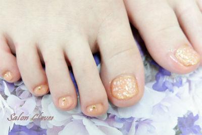 貝殻のシェルフット☆夏のシンプルネイル