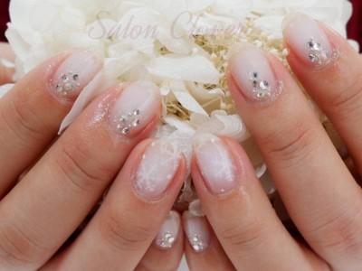 大人かわいい白チークネイル♡雪の結晶冬ネイル