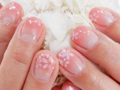 桜×グラデーション♡大人かわいい春ネイル